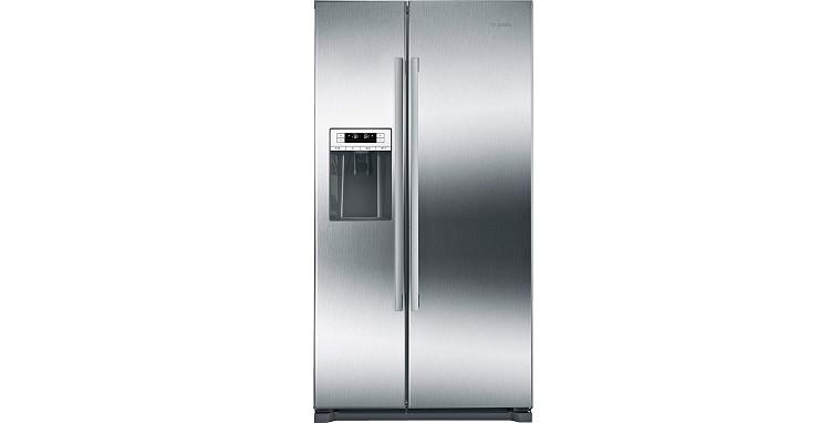 Bosch 300 Series Freestanding Counter-Depth Side-by-Side Refrigerator B20CS30SNS