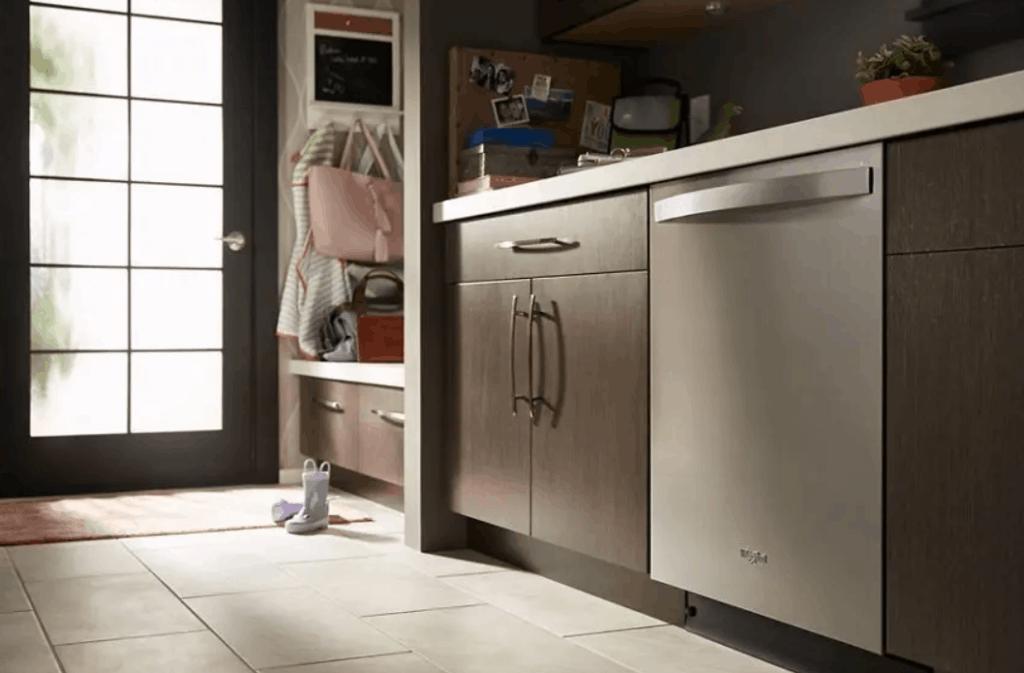WDT730PAHZ Whirlpool dishwasher model.
